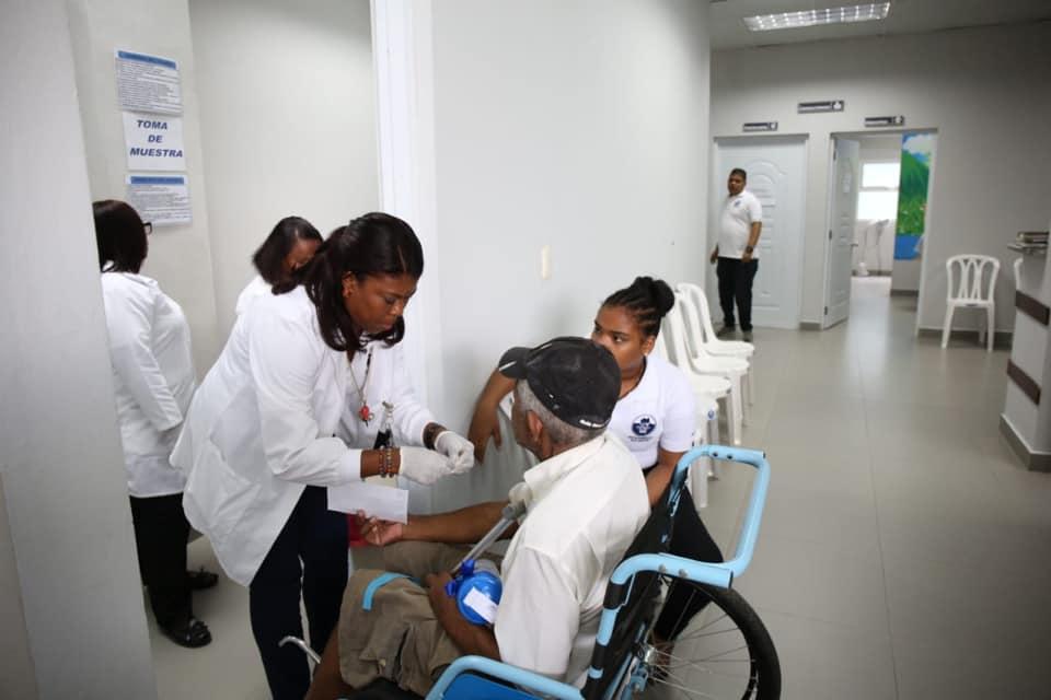 SRS Valdesia y SENASA realizan jornada de autocuidado con Círculos Comunitarios de Salud