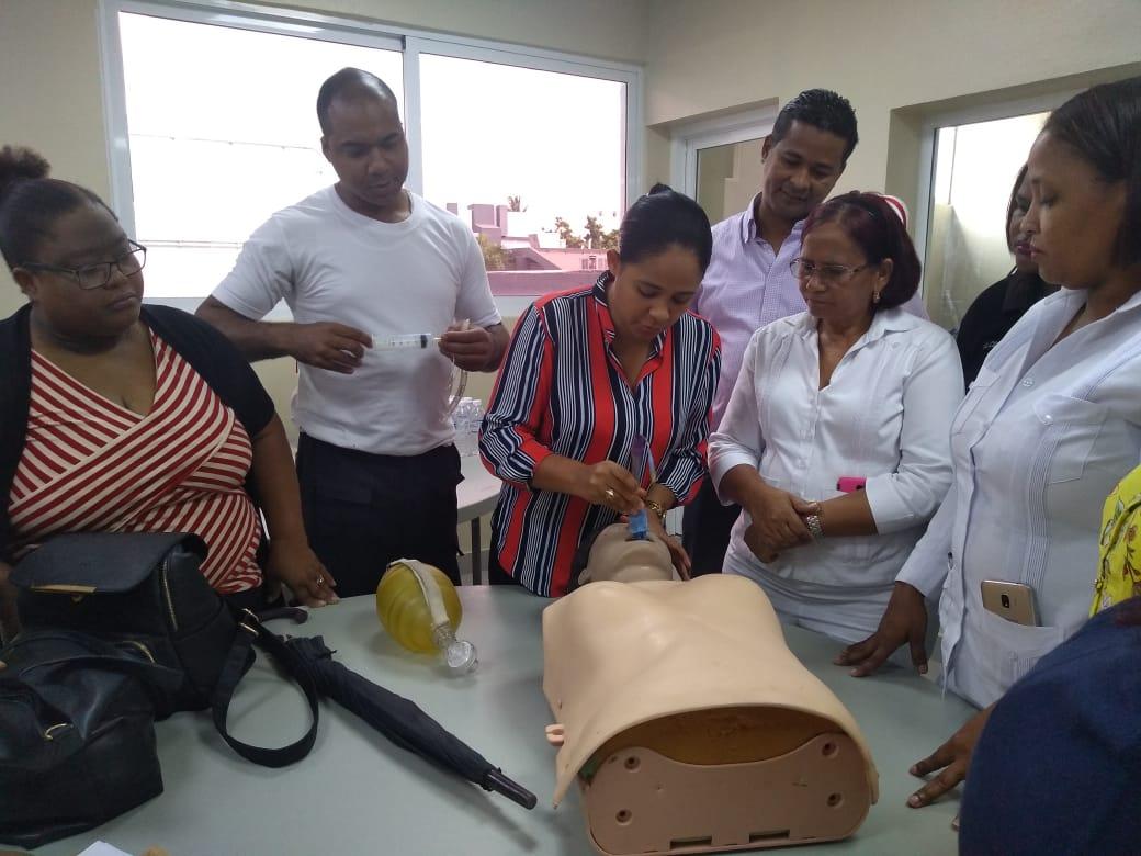 SRS Valdesia imparte curso taller sobre Soporte Vital Básico